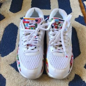 Nike LIMITED EDITION International Flag Sneakers